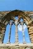 Detail über Steinmetzarbeit bei Whitby Abbey, North Yorkshire Stockbilder