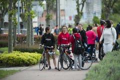 Detail der Ankunft der Teilnehmer an die Meisterschaft von Spanien-Triathlon lizenzfreie stockbilder