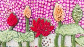 Detail der Blumendekoration für Lotus-Bild (Blumen-Festival, Thailand) Lizenzfreie Stockfotografie