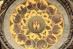 Detail der historischen mittelalterlichen astronomischen Uhr in Prag auf altem Rathaus Lizenzfreie Stockfotos