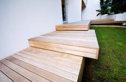 Detail der Holz-getäfelten äußeren Plattform Lizenzfreies Stockfoto