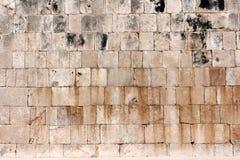 Detail der kleinen Mayapyramide bei Chichen Itza stockfotos