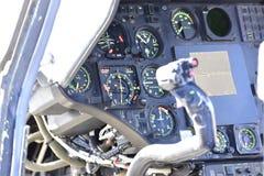Detail der Kontrollen im Cockpit eines Hubschraubers Lizenzfreie Stockfotografie