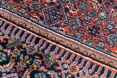 Detail der orientalischen Wolldecke mit einer diagonalen Linie lizenzfreies stockbild