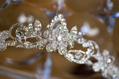 Detail der silbernen Tiara oder des Diadems Lizenzfreies Stockbild