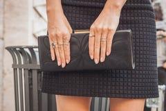 Detail der Tasche außerhalb Ferragamo-Modeschauen, die für Milan Womens Mode-Woche 2014 errichten Stockbild