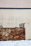 Detail der Wand und des Schnees Stockbild