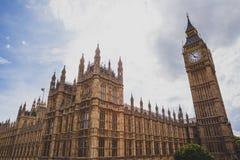 Detail des Big Ben-Glockenturms und des Westminster-Gebäudes Lizenzfreies Stockfoto