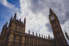 Detail des Big Ben-Glockenturms und des Westminster-Gebäudes Lizenzfreie Stockfotos
