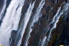 Detail des fallenden Wassers Victoria Falls Nahaufnahme Nationalpark Mosi-oa-Tunya und Welterbestätte Zambiya zimbabwe Lizenzfreies Stockfoto