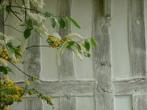Detail des gestalteten Hauses des Bauholzes Lizenzfreie Stockfotografie
