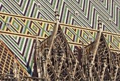 Detail des gotischen Dachs stockfoto