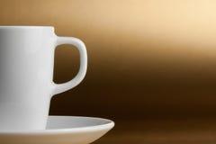 Detail des halben Tasse Kaffees mit Raum für Text Stockbild