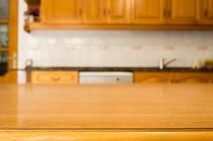 Detail des Holztischs an der Küche Stockfoto