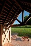 Detail des modernen Holzhauses stockfotografie