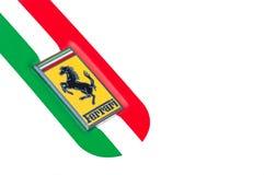 Detail des Symbols mit italienischer Flagge eines Ferrari-Autos Stockbild