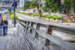 Detail des Zauns in der Großstadt Lizenzfreie Stockfotografie
