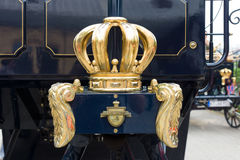Detail einer Krone, selbstfahrender Wagen AAGLANDER-Mylord (moderne Replik) stockfotografie