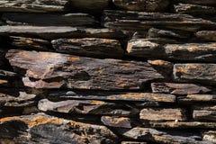Detail einer Wand eines alten Steinhauses Lizenzfreie Stockfotografie