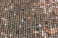 Detail eines Dachs mit alten Fliesen Lizenzfreie Stockfotografie