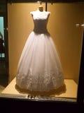 Detail eines Hochzeitskleides Stockfotos