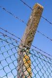 Detail eines Sicherheitszauns Stockfoto