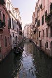 Detail eines venetianischen Kanals Stockfotografie