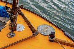 Detail eines Weinlesesegelbootes Stockbilder