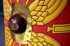 Detail eines Wiedergabe römischen scutum Schildes mit Rot und Gelb Stockbild