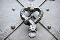 Detail en kloppers van een deur Royalty-vrije Stock Afbeeldingen