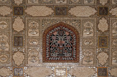 Detail of the mirrored ceiling in the Mirror Palace at Amber Fort in Jaipur Stock Photos