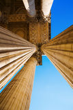 Detail mit Spalten des Pantheons in Paris Lizenzfreie Stockfotos