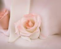 Detail of rose on wedding cake Royalty Free Stock Photography