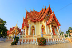 Detail of a traditional buddhist temple roof and blue sky Royalty Free Stock Photos