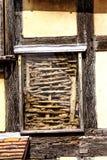 Detail van Brits uitstekend huis in de oude stad Stock Afbeeldingen
