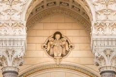Detail van de architectuur van Notre-Dame DE Fourvière Basil stock foto
