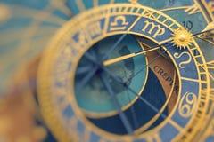 Detail van de Astronomische Klok Orloj van Praag in de Oude Stad stock afbeelding