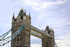 Detail van de Brug van Londen dichtbij de hemel stock afbeelding