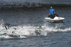 Detail van de deelnemers in een Triatlon stock foto's