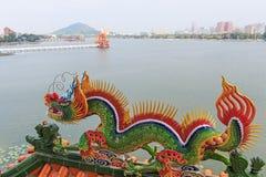 Detail van de Draak in Dragon And Tiger Pagodas van Lotus Pond, Kaohsiung royalty-vrije stock foto's