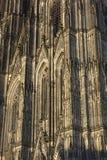 Detail van de Kathedraal van Keulen (het Westenvoorgevel) stock fotografie