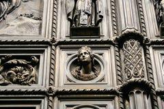 Detail van de poort van St Isaac Kathedraal in St. Petersburg royalty-vrije stock fotografie