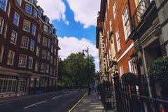 Detail van de straten van de stadscentrum van Londen dichtbij Grosvenor Squar Stock Fotografie