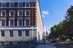Detail van de straten van de stadscentrum van Londen dichtbij Grosvenor Squar Stock Foto