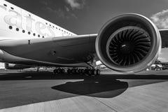 Detail van de vleugel en een omloopmotormotor Alliance GP7000 van vliegtuigenluchtbus A380 Royalty-vrije Stock Afbeeldingen