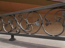Detail van decoratieve metaalomheining Stock Afbeeldingen