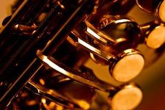 Detail van een altsaxofoon stock foto's