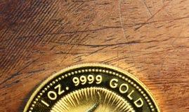 Detail van een fijn gouden muntstuk Stock Foto