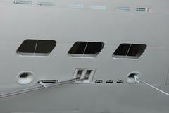 Detail van een gedokt cruiseschip Stock Fotografie