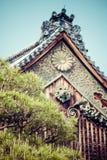 Detail van een Japans dak Stock Fotografie